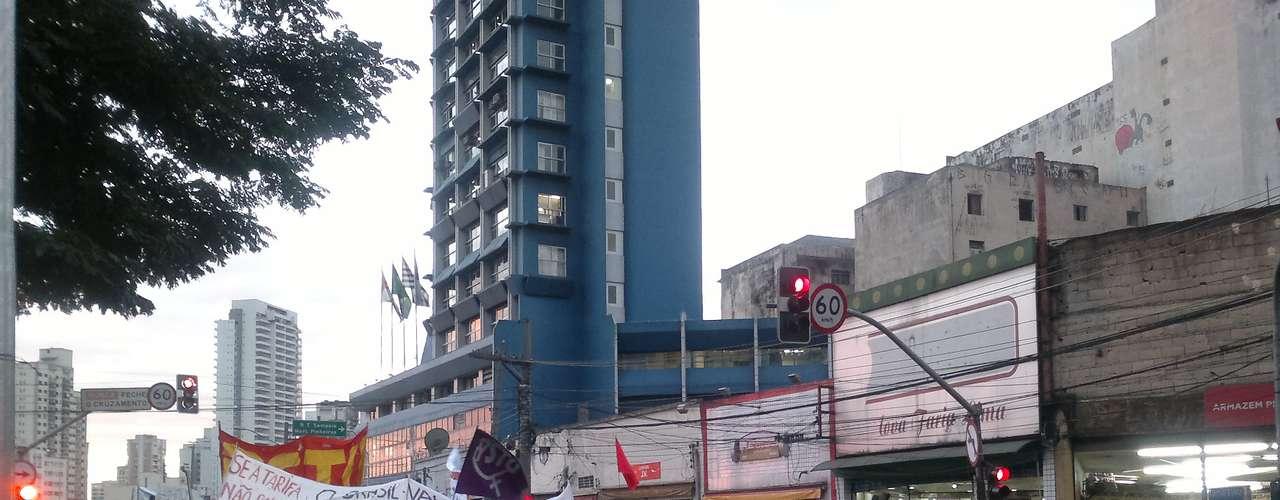17 de junho - Participantes do protesto se reuniram no Largo da Batata, no bairro de Pinheiros, na zona oeste da capital