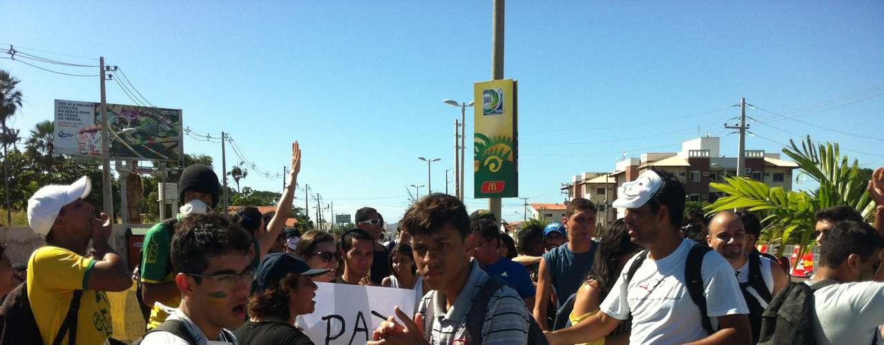 Manifestantes se concentram nos arredores do Castelão