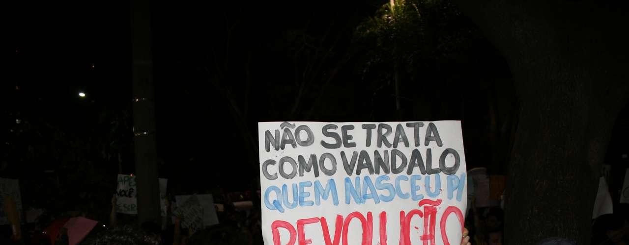 18 de junho - A estimativa da organização é de que mais de 5 mil pessoas participaram do ato em Rio Preto (SP)
