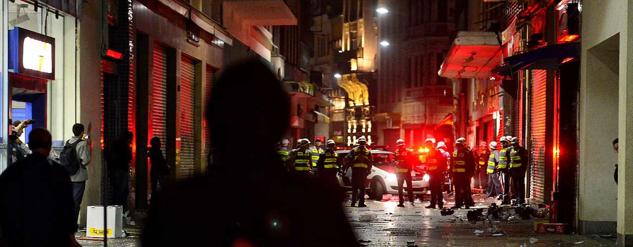 18 de junho - Polícia acompanha saques de lojas à distância