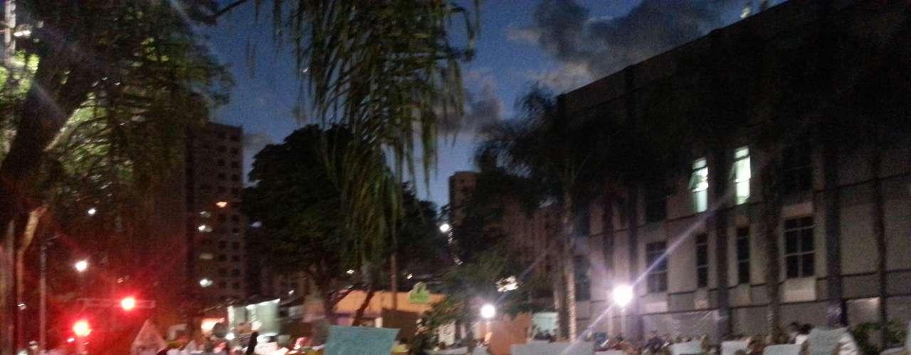 18 de junho - Em São José do Rio Preto, no interior paulista, a noite de terça-feira também foi de manifestações