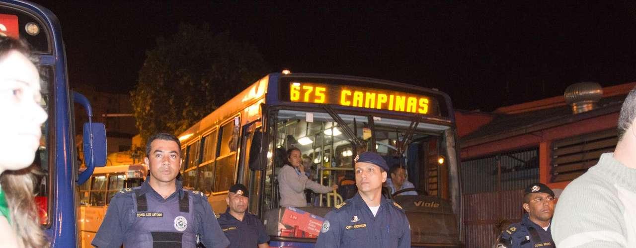 18 de junho- Manifestantes tomam as ruas de Valinhos durante protesto contra o aumento nas passagens de ônibus
