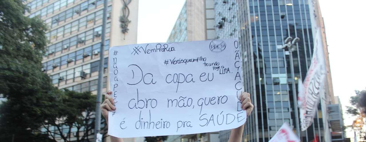 Antes da Copa, manifestantes mostraram preferir investimentos em saúde e educação