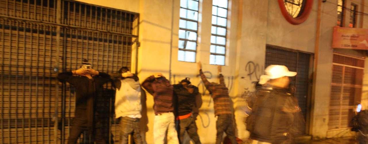 24de junho - Até o final da noite, ao menos 63 pessoas haviam sido presas pela polícia