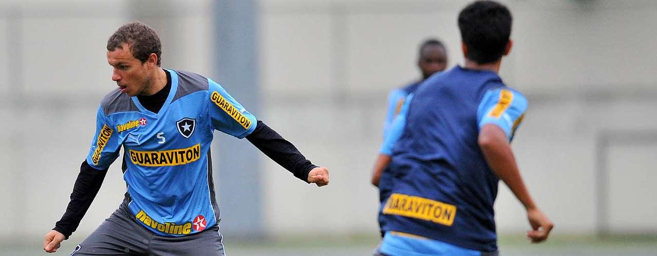 Marcelo Mattos é outro que continua no onze inicial da equipe, que busca manter a boa fase no Campeonato Brasileiro e Copa do Brasil mesmo com a saída de jogadores importantes