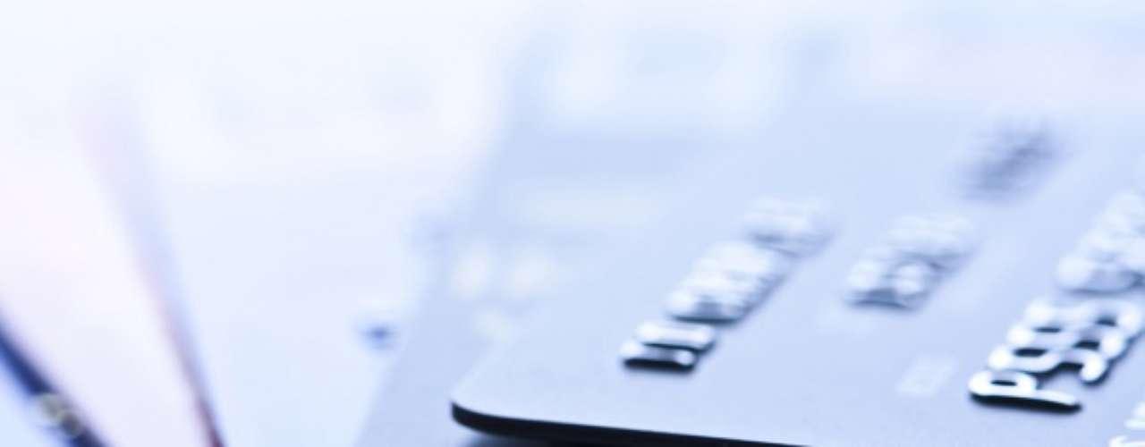 Emissões de cartões de crédito pré-pago representam 50% das operações de câmbio para turistas brasileiros