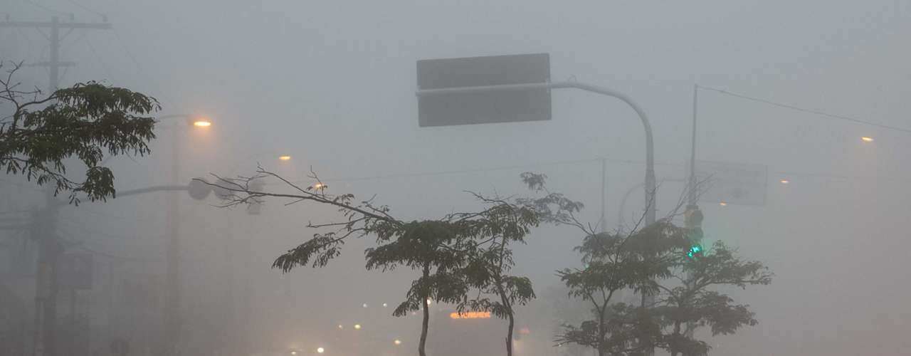 2 de julho Em Porto Alegre, os motoristas tiveram que dirigir com atenção na manhã de hoje por causa da forte neblina