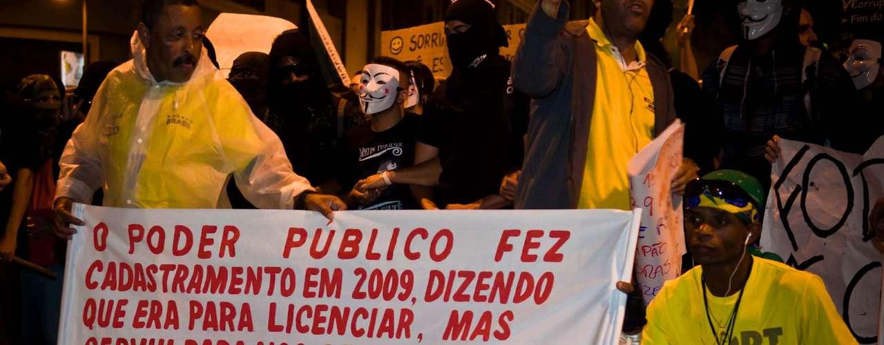 1º de julho -  Protestos também ocorreram no Rio de Janeiro, onde diversas causas foram defendidas