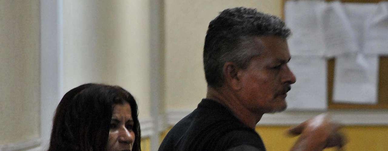 3 de julho -Pai do assaltante Diego Rocha Freitas Campos comparece ao 49° Distrito Policial, em São Paulo, nesta quarta-feira. Diego Rocha é acusado de matar o menino boliviano Bryan Yanarico Capcha, 5 anos, com um tiro na cabeça após invadir a residência onde ele morava com os pais em São Mateus