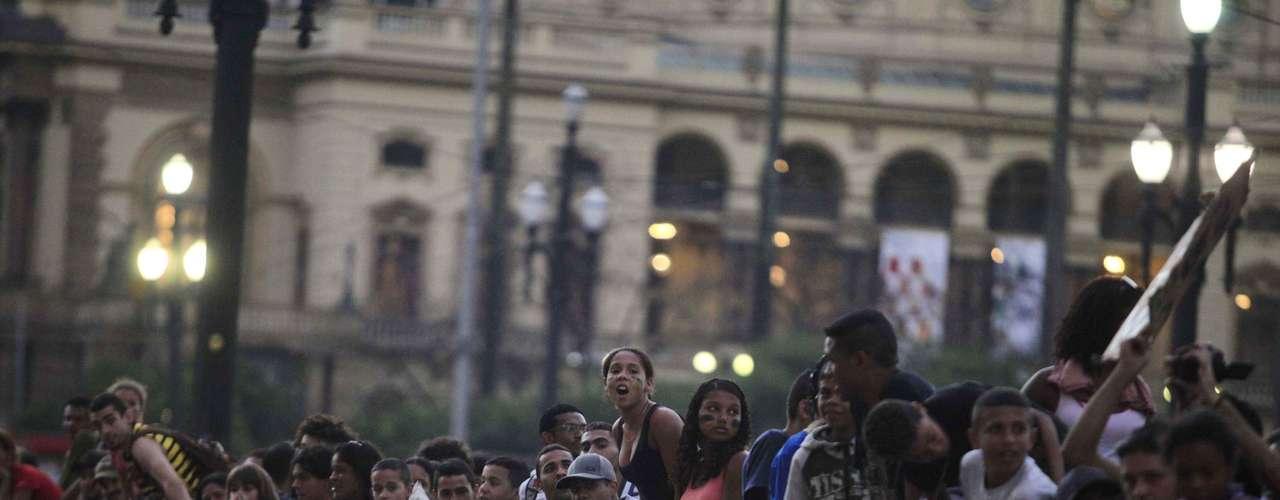 5 de julho - Moradores da favela do Moinho fizeram uma manifestação pedindo a urbanização do loal, em frente à prefeitura da capital paulista, nesta sexta-feira