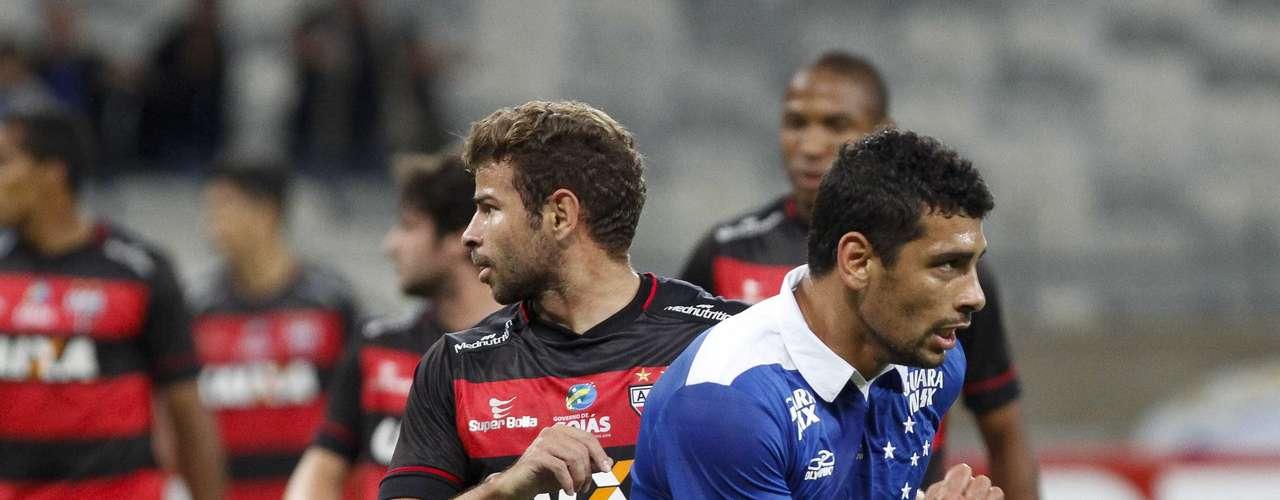 Com Diego Souza, Cruzeiro teve grande atuação e abriu 3 a 0 ainda no primeiro tempo