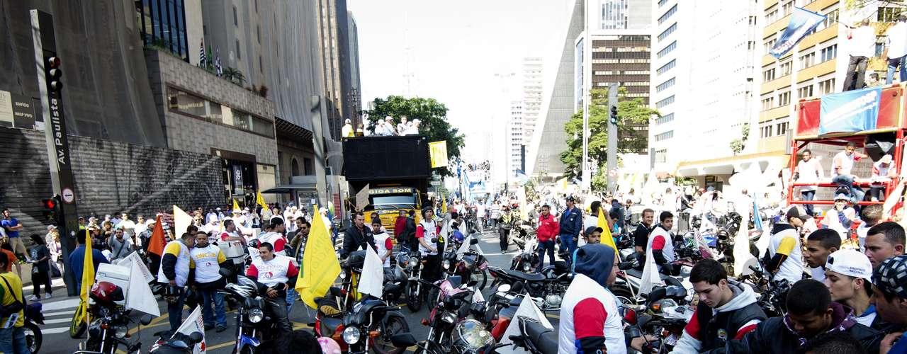 São Paulo Motoboys engrossaram a greve desta quinta-feira e foram às ruas protestar em São Paulo