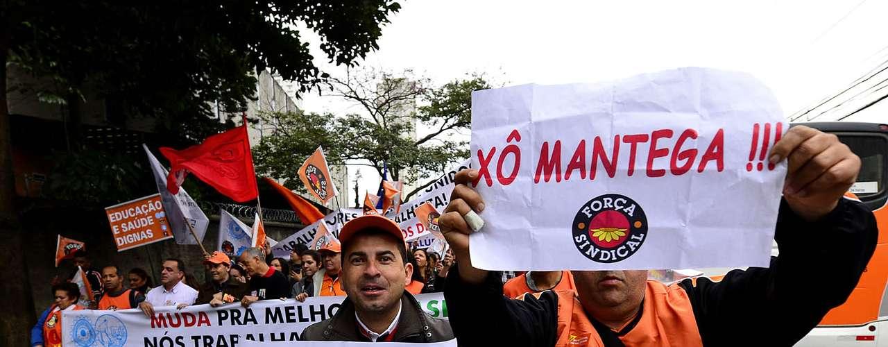 São Paulo Chamado pelos sindicatos de greve geral, o movimento - que pegou carona na onda de protestos que atingiu diversas cidades brasileiras em junho - é o quarto desse tipo em 190 anos