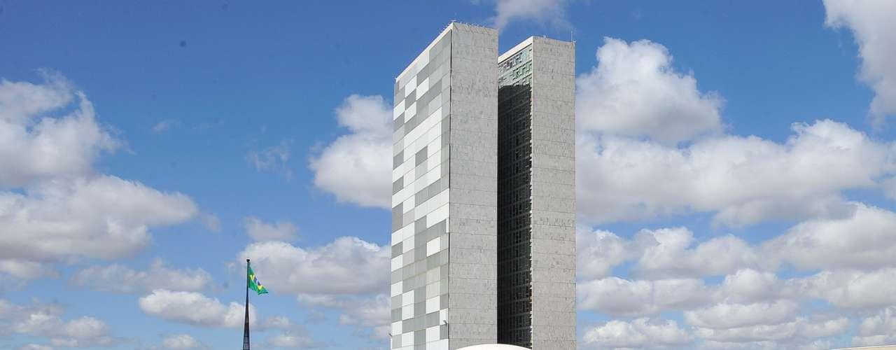 Brasília O protesto tem dois pontos principais de reivindicações: as liberdades democráticas e  os direitos dos trabalhadores