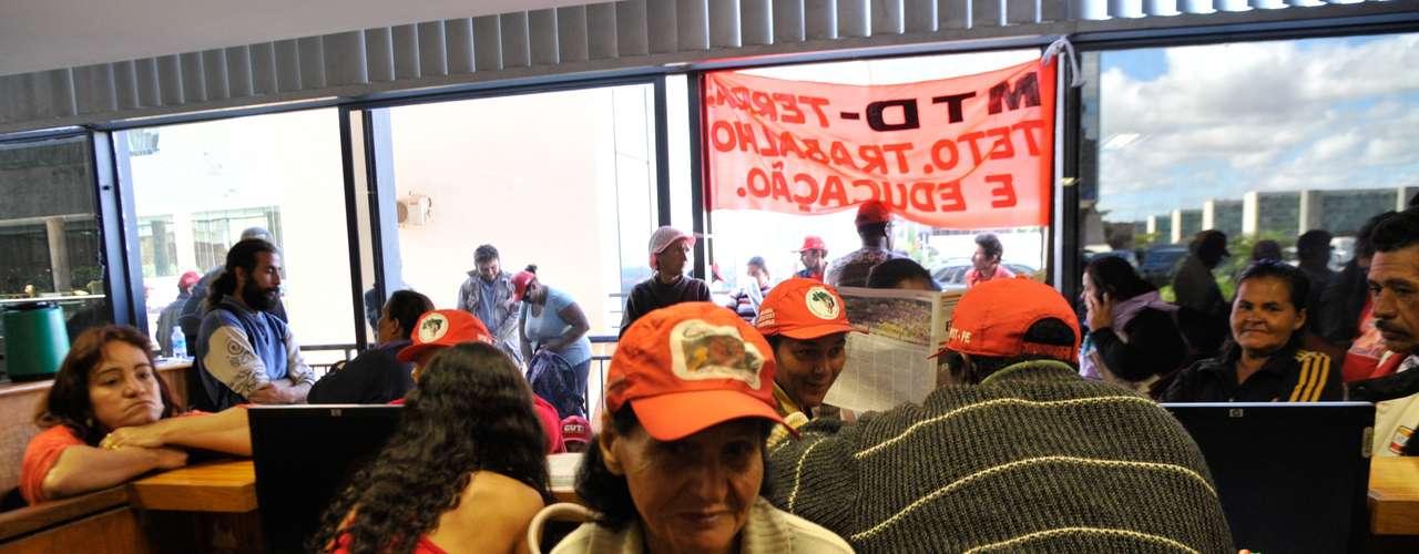 Brasília No Dia Nacional de Luta, o Movimento dos Trabalhadores Rurais Sem Terra (MST), ocupou a sede nacional do Instituto Nacional de Colonização e Reforma Agrária (Incra) em Brasília
