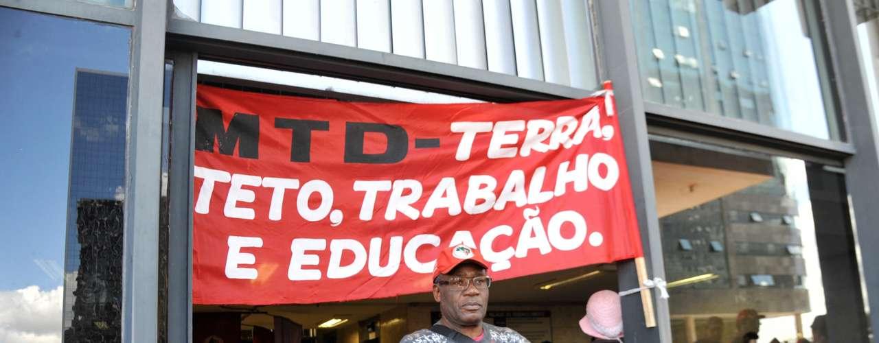 Brasília Para o MST, é preciso assentar 150 mil famílias acampadas, com a concessão de novo crédito