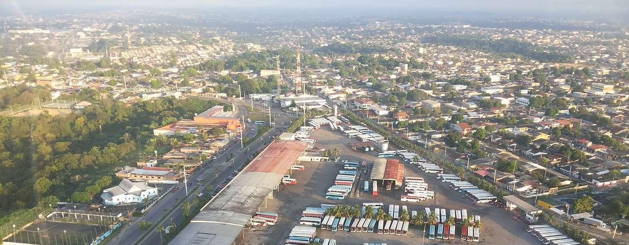 Manaus Na capital do Amazonas, os ônibus ficaram retidos nas garagens devido à greve