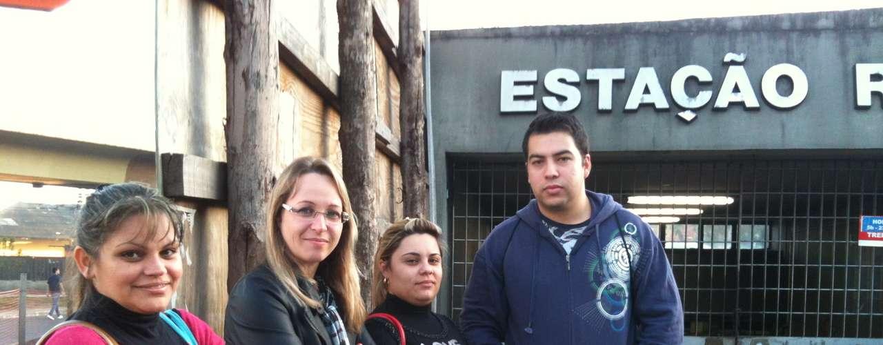Porto Alegre Um grupo de técnicos de enfermagem foi pego de surpresa com antecipação da suspensão do funcionamento do Trensurb