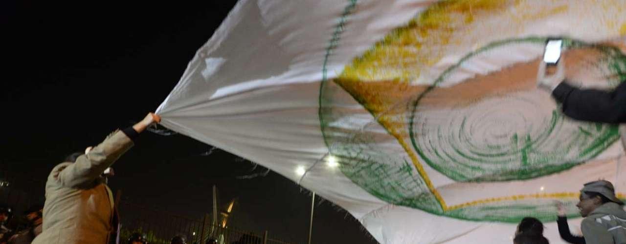 São Paulo -  Cerca de 500 manifestantes ligados a vários movimentos sociais participaram, na noite desta quinta-feira, de um protesto pela democratização da mídia em frente à sede da Rede Globo, na zona sul de São Paulo