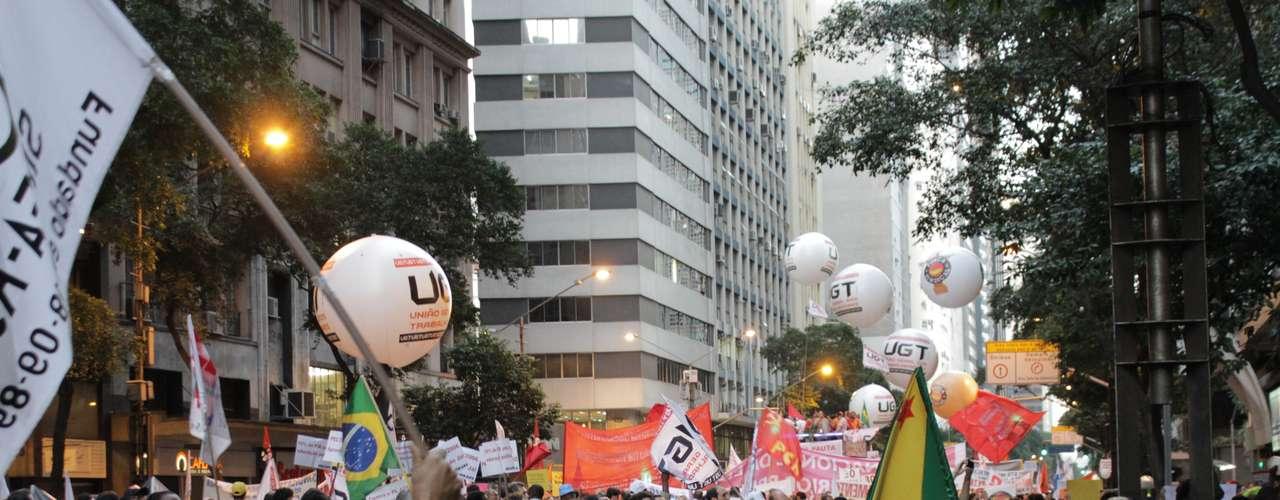 Rio de Janeiro - Máscaras como as vistas no filme \