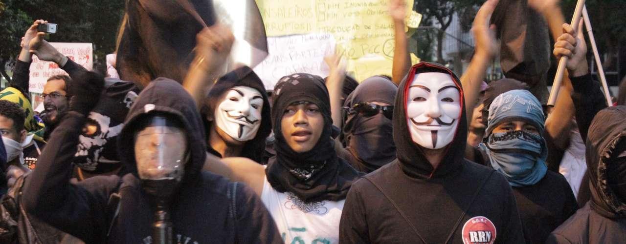 Rio de Janeiro -Para dificultarem a identificação, boa parte dos manifestantes encobriram os rostos