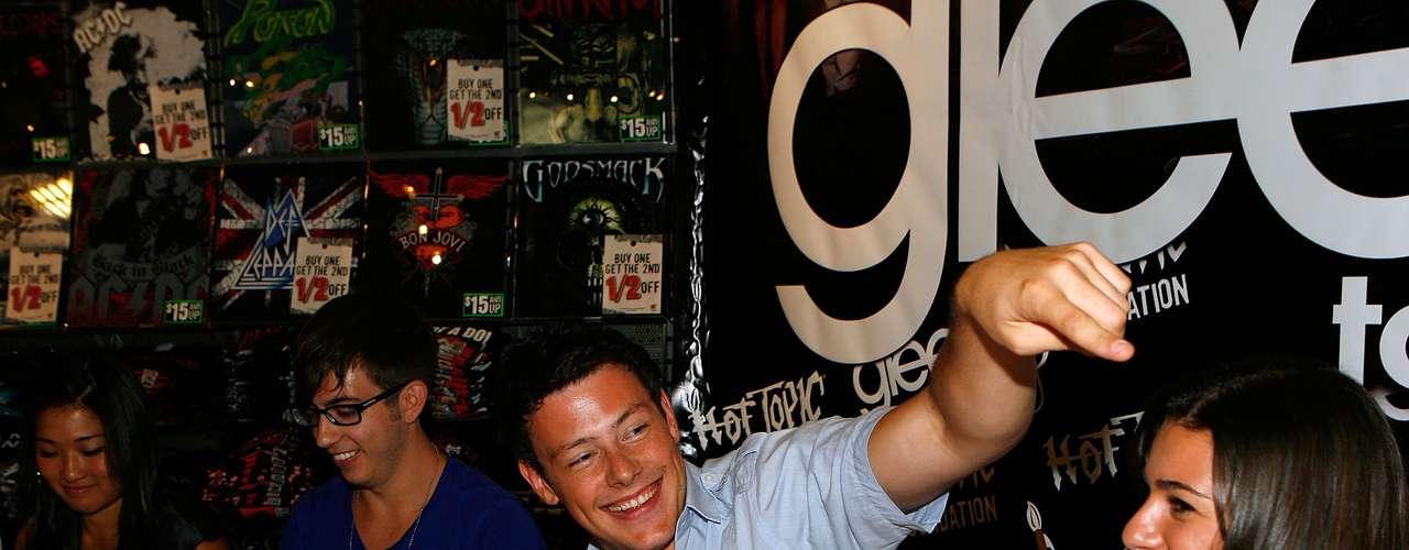 Cory Monteith durantedivulgação da série Glee, em agosto de 2009
