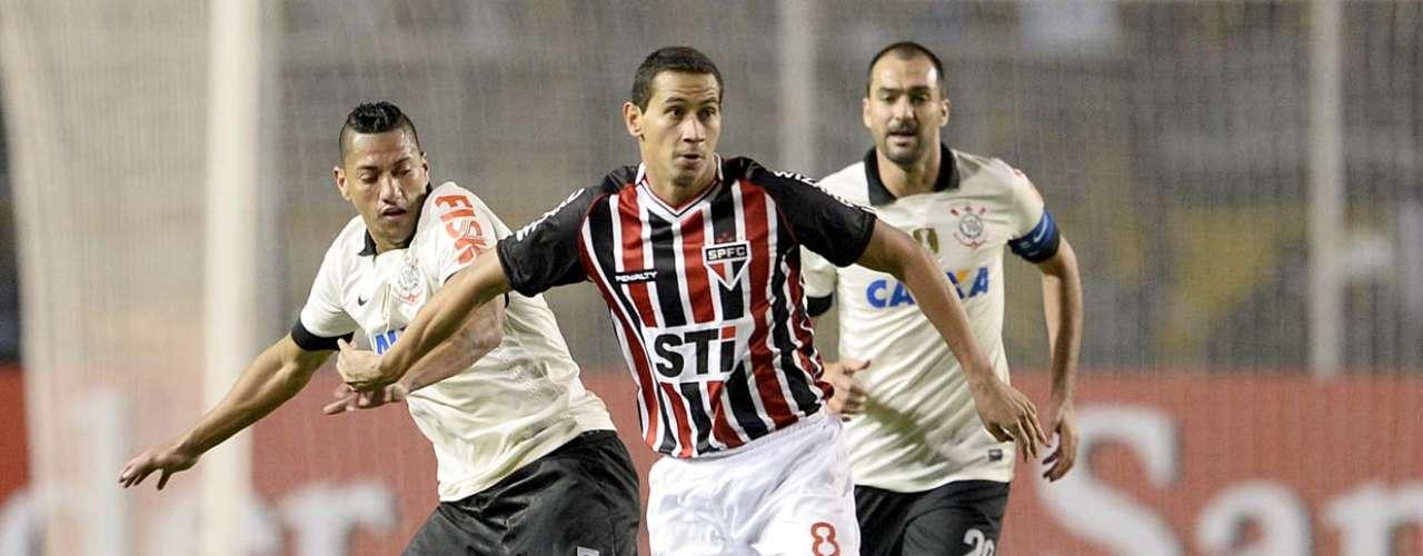 Corinthians, em compensação, vem de empate contra Portuguesa (1 a 1), vitória sobre Bahia (2 a 0) e derrota para o Atlético-MG (1 a 0)