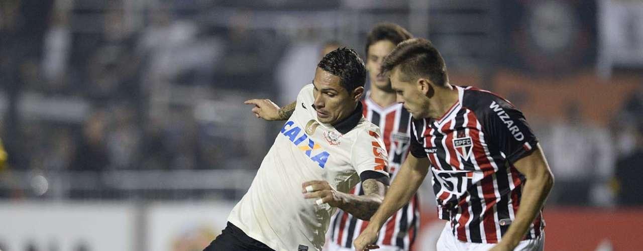 Segundo gol do Corinthians saiu em jogada de de Paolo Guerrero