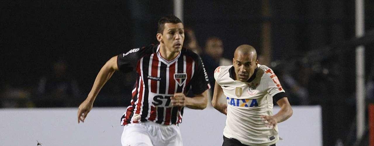 São Paulo entrou em campo pressionado precisando do resultado