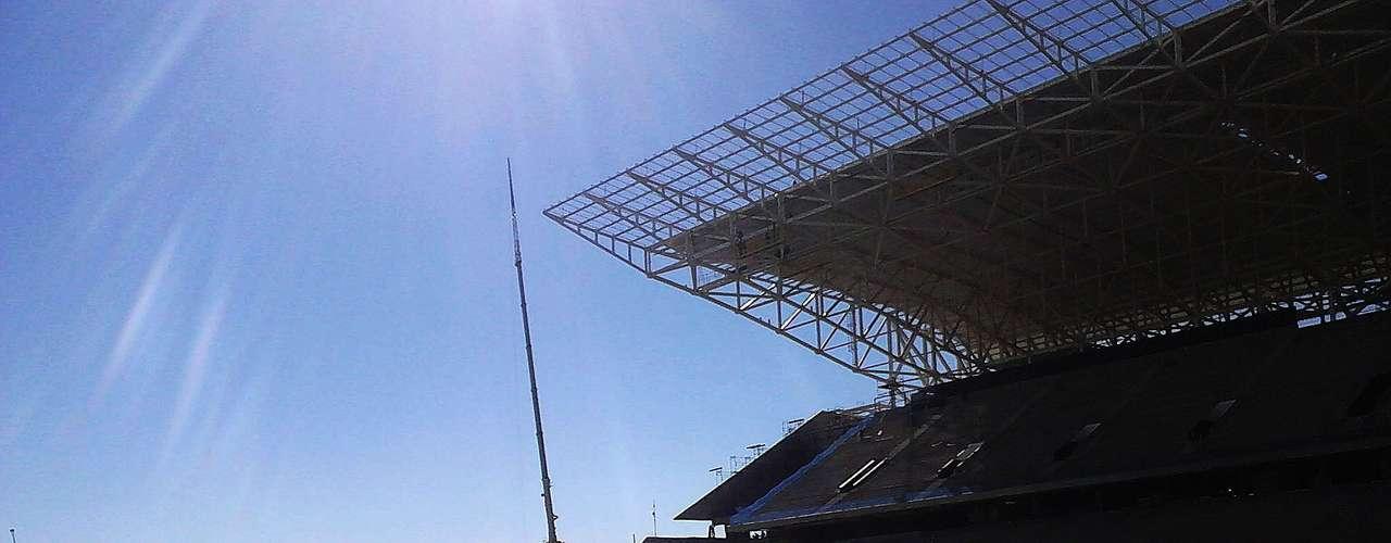 17de julho de 2013 - Internauta registra a Arena Corinthians, ou Itaquerão, que será palco da abertura da Copa do Mundo de 2014