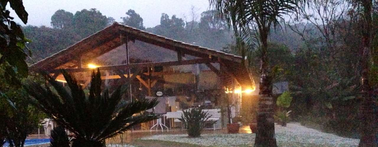 19 de julho - Cidade catarinense de Rio do Sul amanheceu coberta por granizo