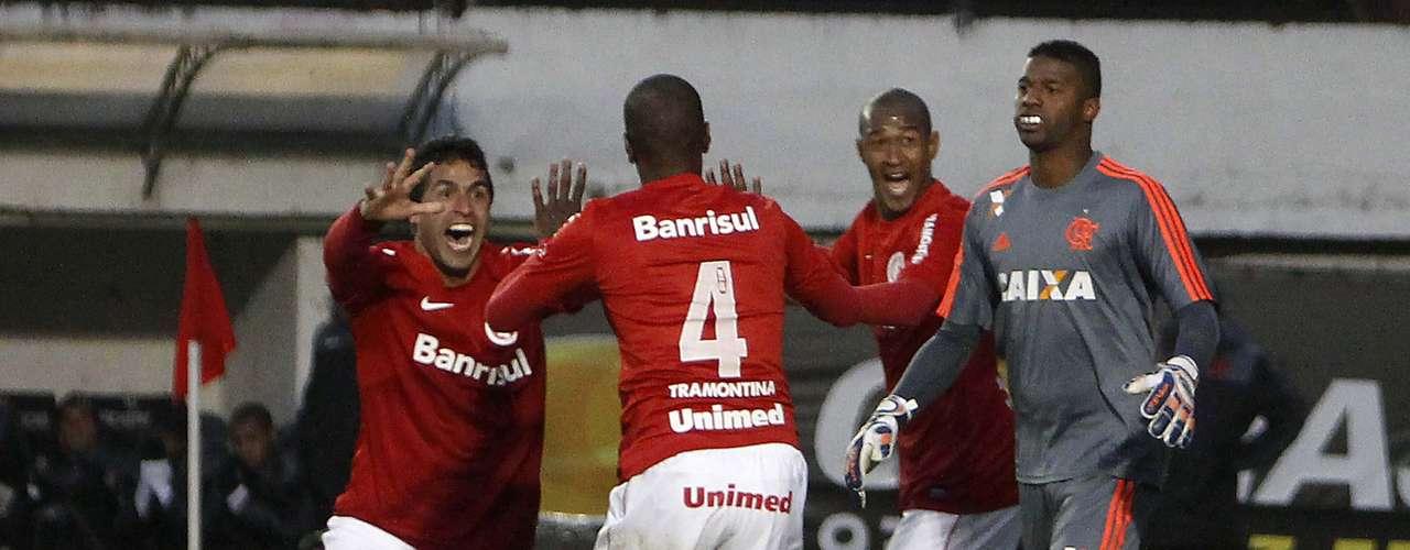 Juan foi muito celebrado pelo gol que decidiu a partida já nos acréscimos