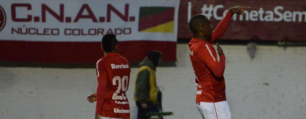 Em um duelo de ex-treinadores da Seleção Brasileira, Dunga acabou com a invencibilidade de Mano Menezes no Flamengo, já que o Inter venceu a partida por 1 a 0