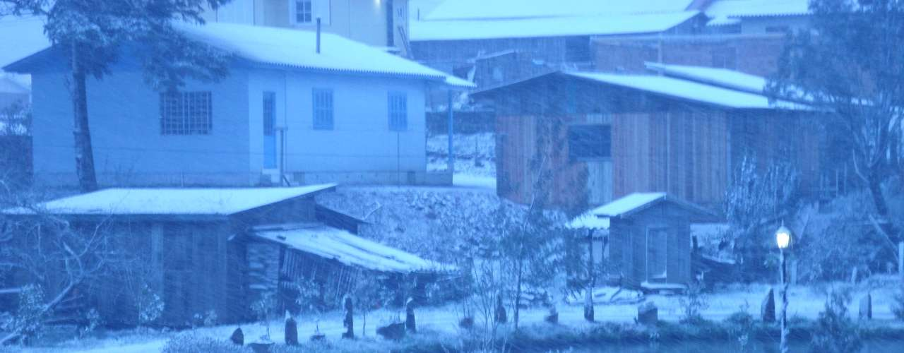 22 de julho - São José dos Ausentes, no Rio Grande do Sul, registrou neve nesta segunda-feira