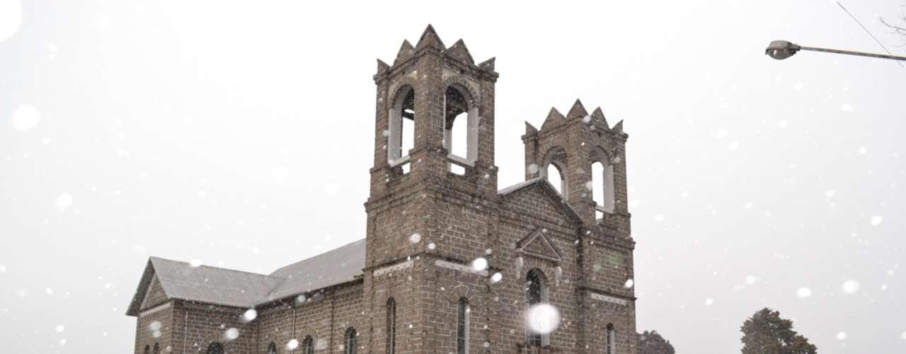 22 de julho - Muitos enfrentaram o frio para aproveitar a neve emSão Joaquim, Santa Catarina