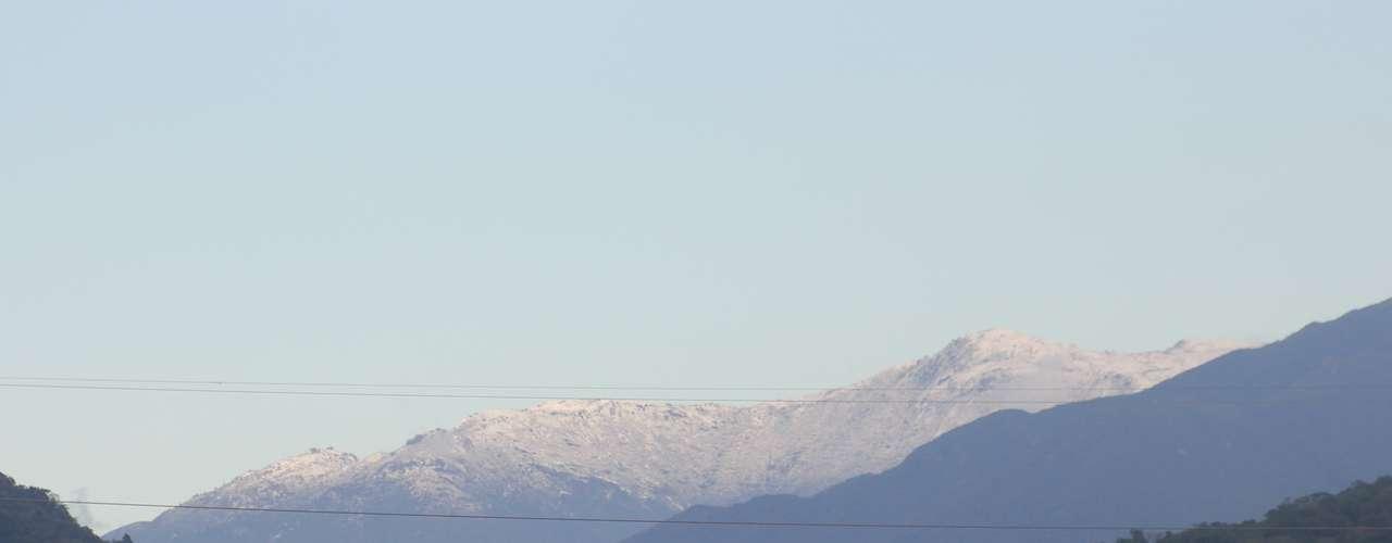 23 de julho - Neve no Cambirela pode ser observada de vários pontos de Florianópolis