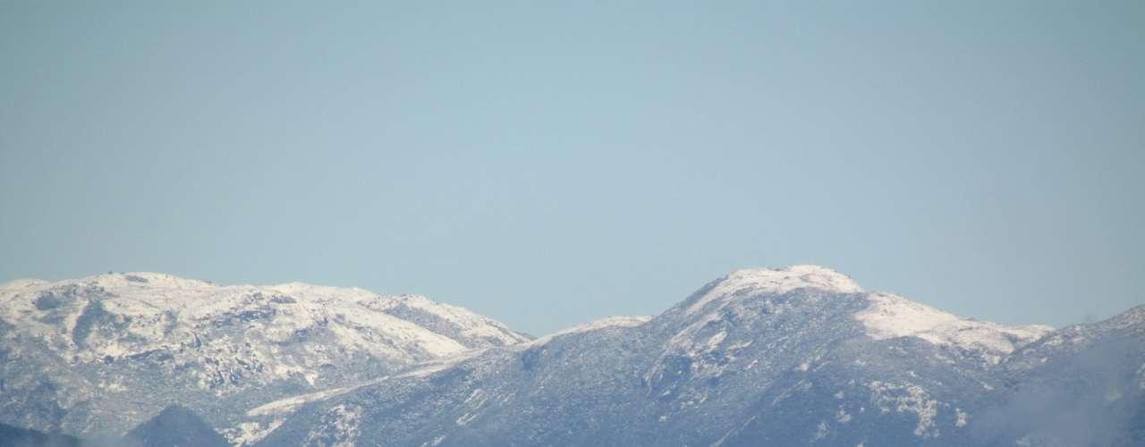 23 de julho - Além da neve, morro do Cambirela também teve nevoeiro