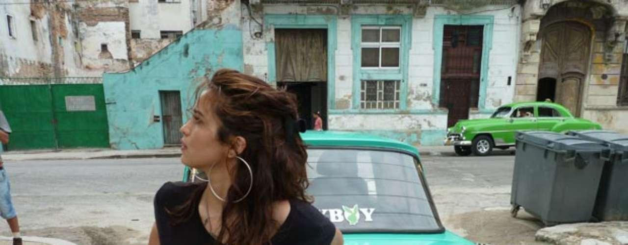 Nanda Costa foi para Cuba fotografar para a revista Playboy. Ela será a capa da edição de agosto da revista masculina