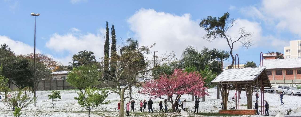 23 de julho O frio é histórico no Paraná e em toda a Região Sul, onde 90 cidades tiveram registro de neve