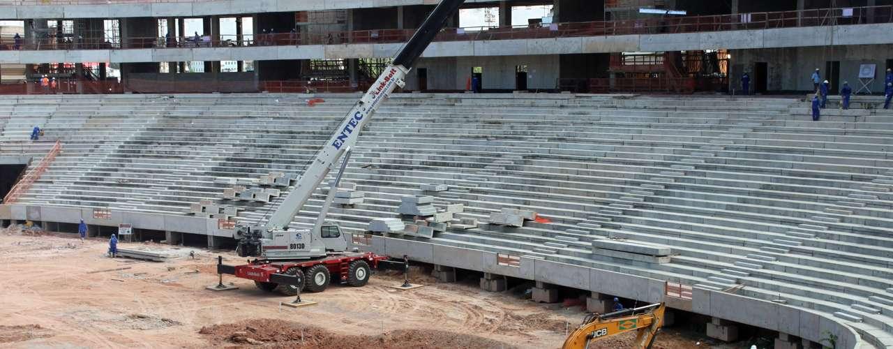 25 de julho de 2013:a expectativa é que as primeiros 10 mil cadeiras cheguem a Manaus em agosto