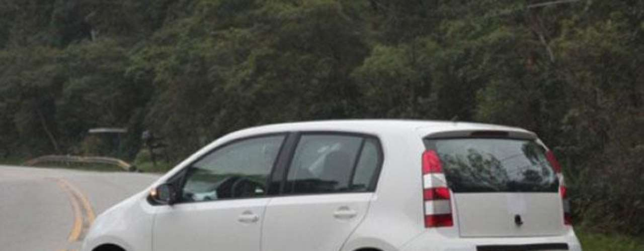 Volkswagen Up! é flagrado em teste