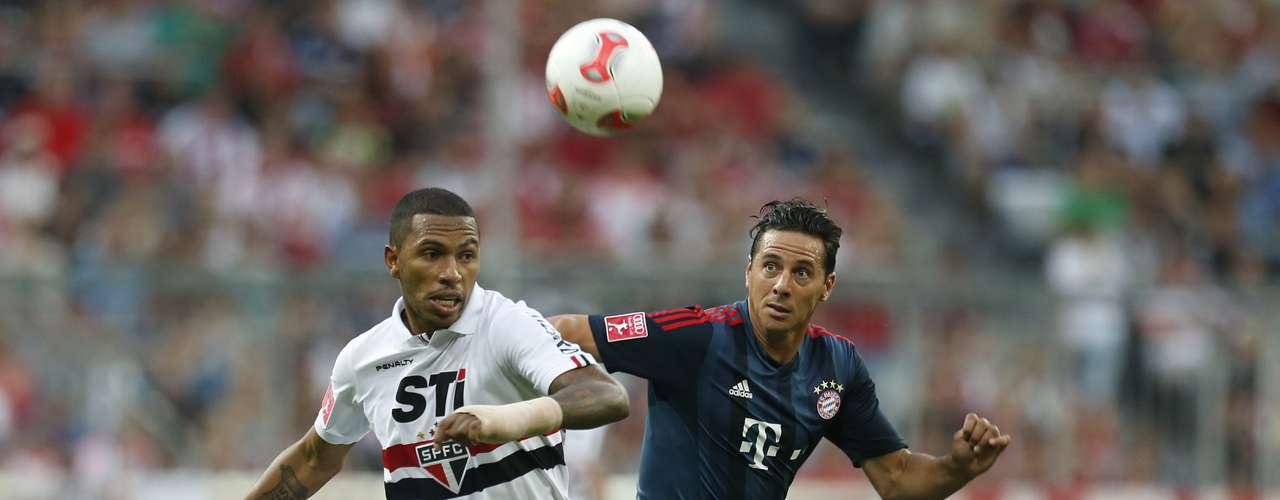 Paulo Miranda tenta se antecipar a Pizarro