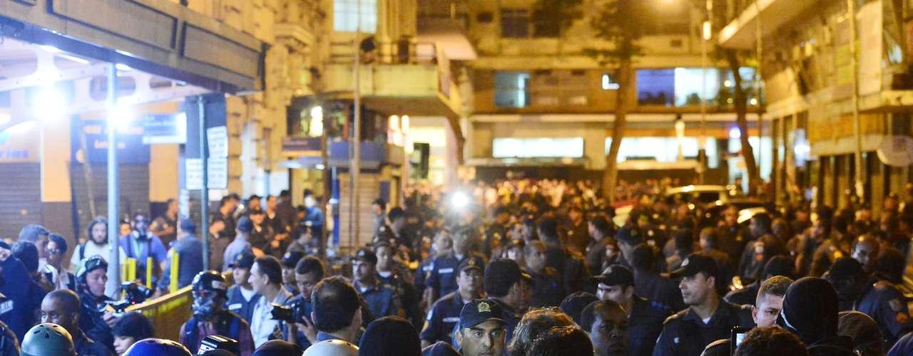 31 de julho -Por volta das 22h, a ocupação da Câmara foi disperçada por policiais
