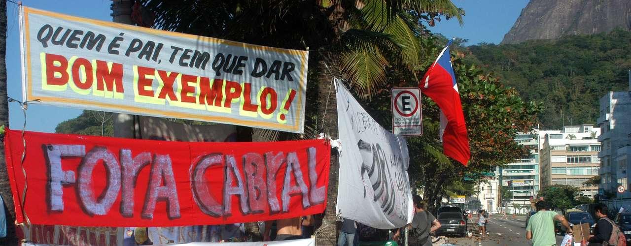 2 de agosto - Cabral havia pedido para que os protestos não fossem em frente a sua casa e citou os filhos, o que virou alvos dos acampados