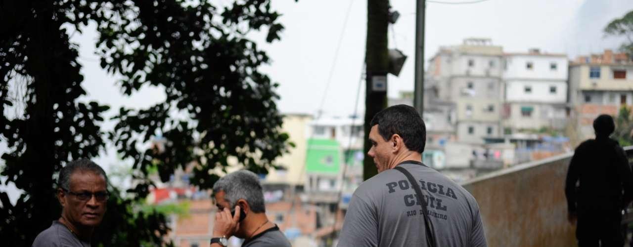 7 de agosto - Policiais da Divisão de Homicídios (DH) encerraram nesta quarta-feira mais uma busca frustrada pelo paradeiro de Amarildo