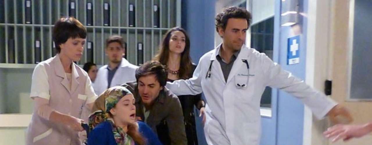 Nicole (Marina Ruy Barbosa) está piorando a cada dia que passa. Mais uma vez, a órfã sente dificuldade para respirar e acaba internada às pressas, dias antes do casamento