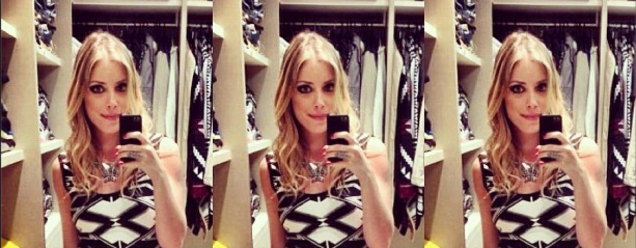 Fabiana Justus gosta de mostrar as roupas que usa via Instagram e aqui adianta look que estaria à venda na sua loja, a Pop Up Store