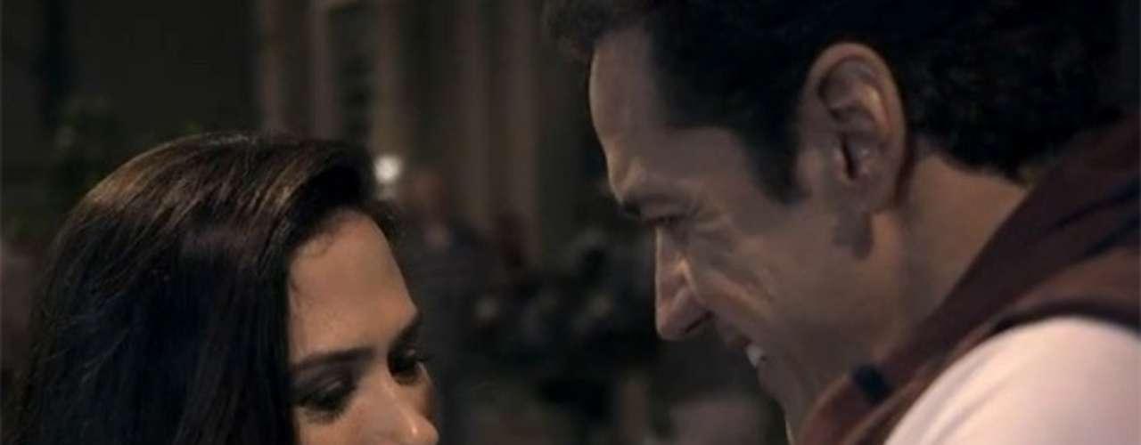 No motel, Ignácio diz para Valdirene que é virgem. Sou virgem sim, no coração... É a primeira vez que eu me apaixono para valer..., explica o gato. Os dois se divertem com a brincadeira e se beijam apaixonados