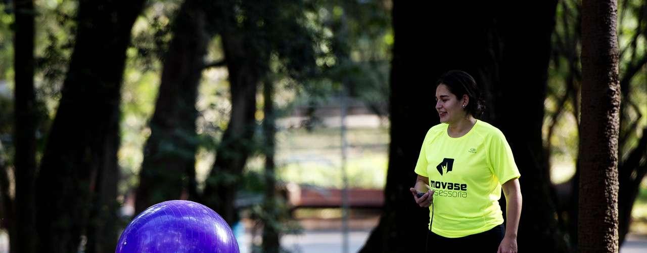 20 de agosto -  Paulistanos aproveitam tarde de sol e calor em pleno inverno para praticar esportes no Parque do Ibirapuera
