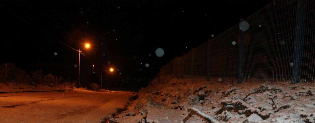 27 de agosto -Rodovias e camposem São Joaquim (SC) ficaram tapados pelo branco da neve